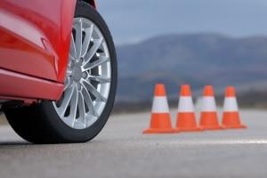 Ein Fahrsicherheitstraining hilft Ihnen, mehr Sicherheit im Straßenverkehr zu gewinnen.