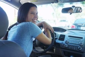 Bei einem Fahrtraining für Frauen können Sie in entspannter Atmosphäre trainieren.