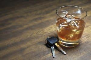 Die Schlüssel besser liegen lassen: Bei Alkoholfahrten kann ein Fahrverbot von 1 Jahr drohen.