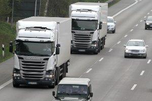 Eine Bußgeldkatalog-Sanktion, die ein Fahrverbot nur für die Autobahn verhängt, gibt es nicht.