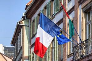 Vorsicht im Urlaub: Ein Fahrverbot ist in Frankreich ebenfalls möglich.