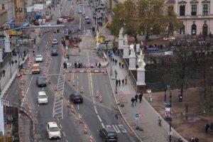 Weil in vielen Großstädten die Grenzwerte zur Luftreinhaltung nicht eingehalten wurden, ist auch ein Fahrverbot für Benziner möglich.