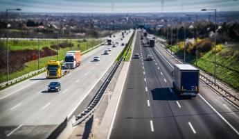 Die Dauer von einem Fahrverbot in Holland bzw. den Niederlanden bestimmt in der Regel ein Gericht.