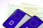 Die Fahrzeugidentifikationsnummer steht wie die Typ- und Herstellerschlüsselnummern in der Zulassungsbescheinigung.