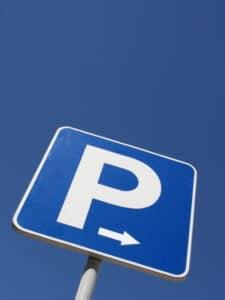 Fahrern, die zu oft falsch parken, kann auch ein Fahrverbot aufgrund von Beharrlichkeit drohen