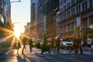 Der Feinstaubalarm soll die Schadstoffbelastung für die Großstädter im Zaum halten.