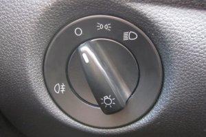 Das Fernlicht lässt sich nicht mit dem gleichen Schalter bedienen wie die restliche Beleuchtung.