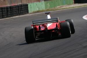Beim Ferrari-Fahren geht es hautpsächlich um italienische Sportwagen. Die Formel-1-Ferraris haben die Marke aber auch populär gemacht.