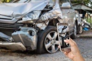 Auch in Finnland bei einem Unfall wichtig: Die ausführliche Dokumentation der Schäden.
