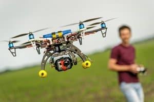 Ohne Flugbuch für Drohnen müssen Unternehmer Bußgelder fürchten.