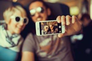 Für den Fotoabgleich werden öffentliche Profilfotos genutzt.