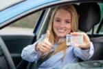 Kann der Führerschein auch in der Schwangerschaft erworben werden? Dieser Ratgeber klärt auf.