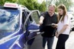 Auf dem Weg zum Führerschein: Die Sicherheitskontrolle ist fester Bestandteil der praktischen Prüfung.