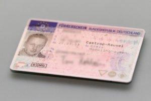 Kommt der Führerschein weg, muss sich um Ersatz gekümmert werden