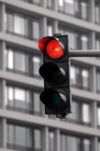 Führerscheinentzug droht auch bei einem Rotlichtverstoß