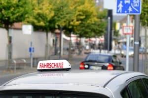 Praktische Führerscheinprüfung: Der Ablauf ist je nach Fahrerlaubnisklasse unterschiedlich.
