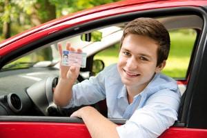 Haben Sie die Führerscheinprüfung mit Automatik bestanden, erhalten Sie die Fahrerlaubnis.