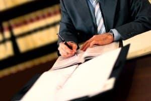 Geblitzt: In manchen Fällen sollten Sie den Anwalt einschalten.