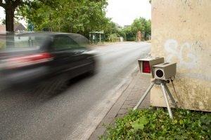 Geblitzt: Punkte gibt es ab 21 km/h zu schnell für Pkw.