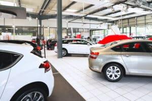 Gebrauchtwagen ohne TÜV sind billig zu haben. Es muss jedoch mit späteren, sehr teuren Reparaturen gerechnet werden.