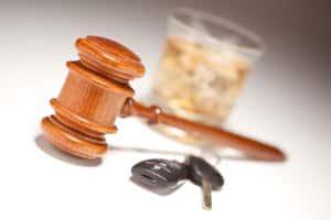 Hohe Geldstrafe: Alkohol am Steuer kann teuer bestraft werden.