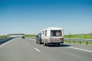 Reduzierte Geschwindigkeit: Auch in Kroatien müssen Sie mit einem Anhänger langsamer fahren.