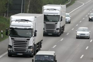Nur in wenigen Fällen liegt die zulässige Geschwindigkeit in Lettland über 90 km/h.