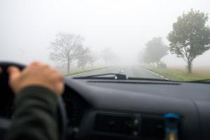 Mit welcher Geschwindigkeit dürfen Sie fahren, wenn die Nebelschlussleuchte eingeschaltet ist?
