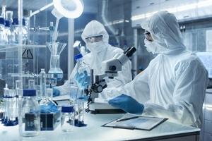 Ärzte und Laboratorien müssen dem Gesundheitsamt laut Infektionsschutzgesetz bestimmte Krankheiten melden.