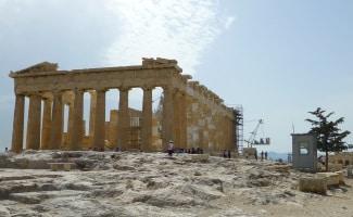Wer Griechenland mit dem Auto erkunden will, benötigt einen gültigen Führerschein.