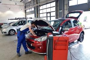 Die große Kfz-Inspektion soll die Langlebigkeit des Wagens gewährleisten.