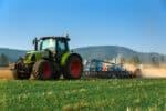 Grünes Kennzeichen findet man häufig am Traktor