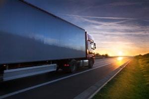 Güterkraftverkehr bezeichnet den Warentransport auf der Straße.