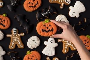 Wer keine Süßigkeiten vorbereitet, muss an Halloween zwar kein Bußgeld befürchten, aber ggf. drohen Streiche.
