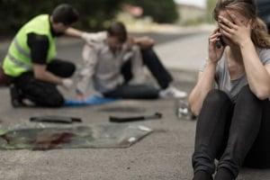 Immer häufiger kommt es wegen dem Handy zu einem Autounfall.