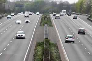 Die HanseMerkur-Kfz-Versicherung sichert Sie im Straßenverkehr ab.
