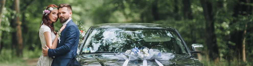 Autoschmuck für die Hochzeit: Was ist beim Dekorieren zu beachten?