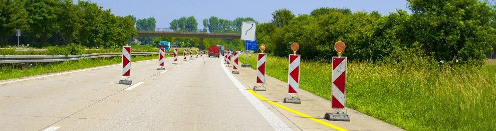 Fahrbahnverengung: Was ist zu beachten?