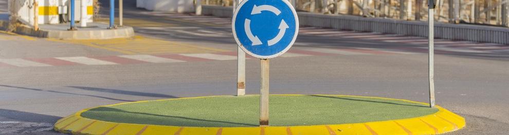 Verhalten im Kreisverkehr: Was ist erlaubt?