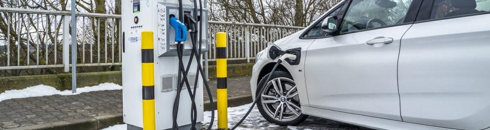 Ladeinfrastruktur für Elektrofahrzeuge in Deutschland: Infos zur Förderung
