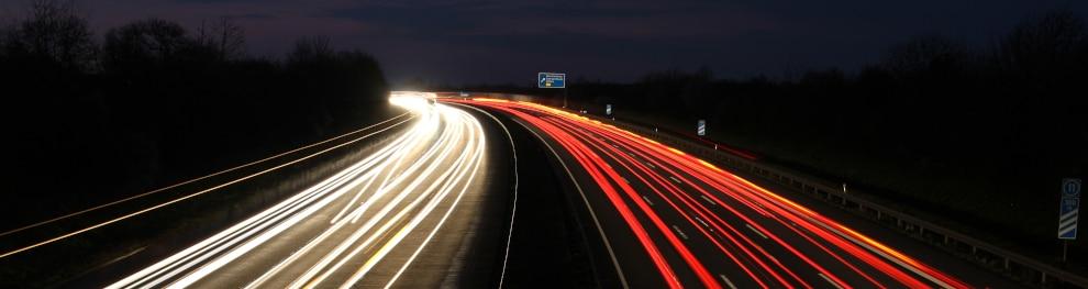 Nachts mit dem Auto fahren – Tipps und Tricks