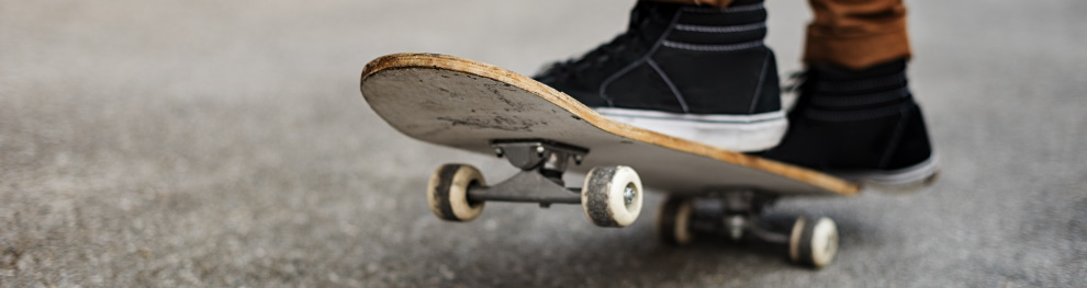 Skateboard fahren: Welche Regeln sind im Straßenverkehr zu beachten?