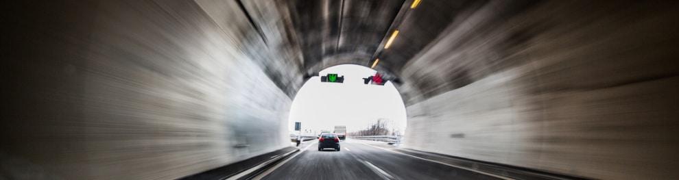 Tunnel und Autobahntunnel