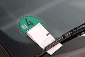 HEM-Umfrage: Die neuen Bußgelder für Parkverstöße werden von vielen Befragten als unfair empfunden.