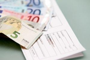 Laut einer HEM-Umfrage werden höhere Bußgelder von vielen Deutschen begrüßt.