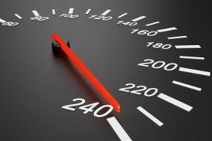 Die zulässige Höchstgeschwindigkeit kann in Deutschland variieren.