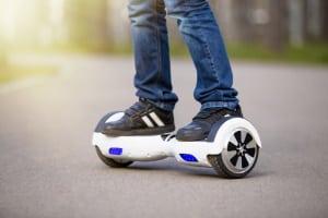Darf man mit einem Hoverboard im Straßenverkehr fahren?