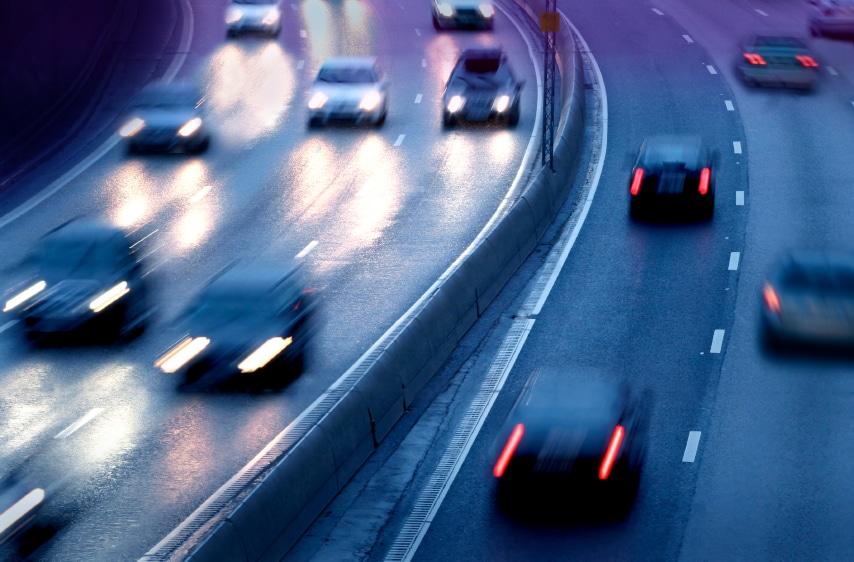 Illegale Autorennen auf Straße