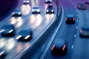 Illegale Autorennen auf öffentlichen Straßen stellen für unbeteiligte Verkehrsteilnehmer ein enormes Risiko dar.
