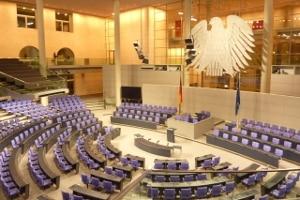 """Neu im Infektionsschutzgesetz ist, dass der Bundestag  eine """"epidemische Lage von nationaler Tragweite"""" ausrufen darf."""